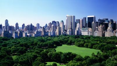 Central Park in summer. Overview from 72ndSt.&Central Park West,looking to South E. corner of park 59th St.&5th Ave.Park s bordered by Fifth Avenue along left and, Central Park South(59 St) along right.